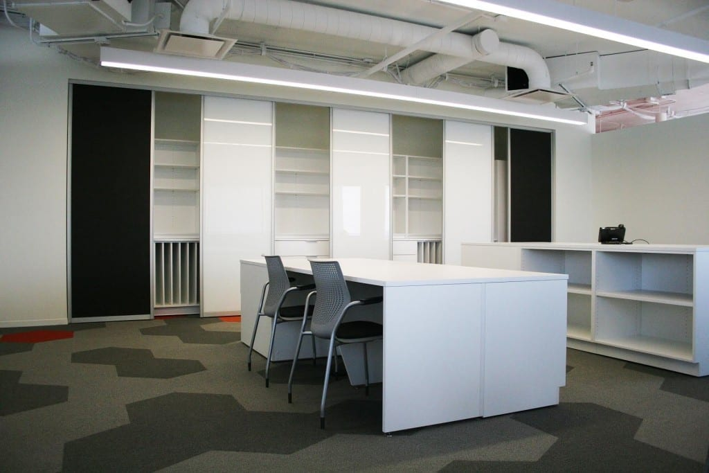 white office tables and chairs 1024x683 1