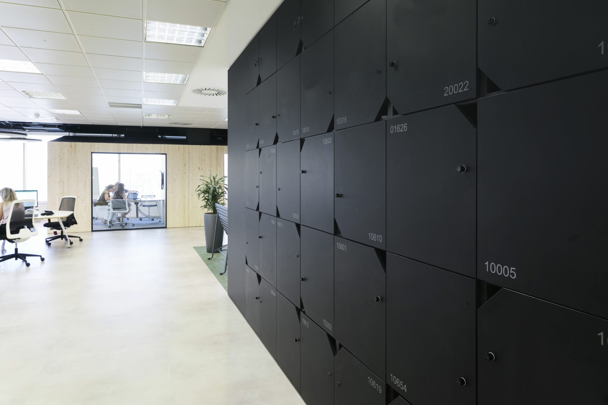device management contactless lockers