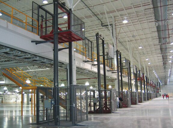 Wildeck material lifts