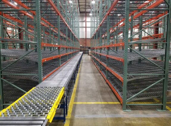 Flow Racking by Conveyor Belt Assembly