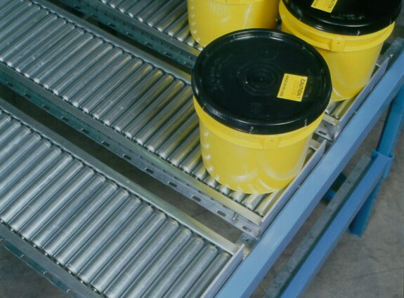 Gravity Conveyor with Buckets Loaded